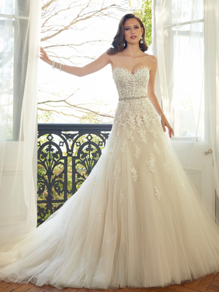 Molly's Bridal Boutique | Molly's Bridal Boutique gives voluptuous ...